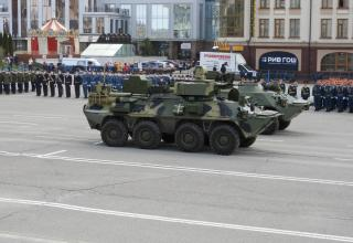 Lefi to right: PRP-5 mobile reconnaissance post mounted on BTR-82A and Taifun anti-sabotage combat vehicle mounted on BTR-80