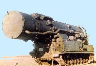 Ракетный комплекс средней дальности 15П696 с ракетой 8К96