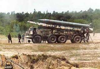 Tactical missile system 9K52 Luna-M