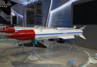 R-37 long-range aircraft missile (RVV-BD)